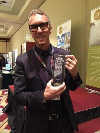 François Beauchesne with the trophy of the Excellence in EPS Recycling Award